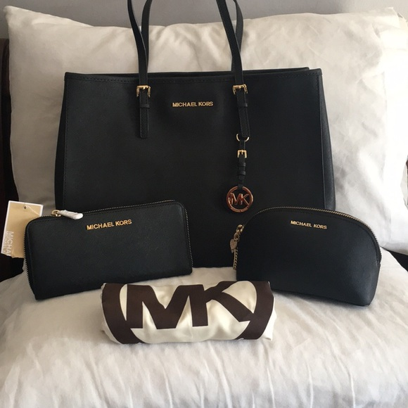 5442f3147d93 RESERVED💥MICHAEL KORS JETSET BUNDLE 💥
